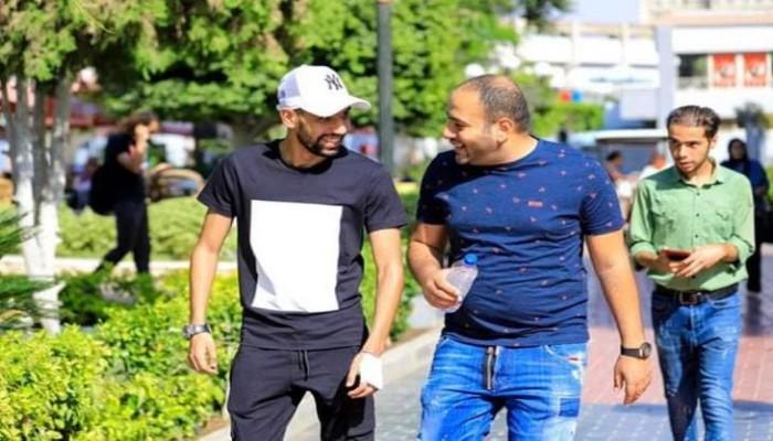 مؤمن زكريا: محمد صلاح عرض علي المساعدة في العلاج