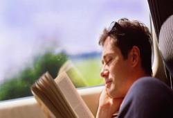 النجاح المهني حليف الذين يقرؤون باستمرار.. 12 فائدة للقراءة