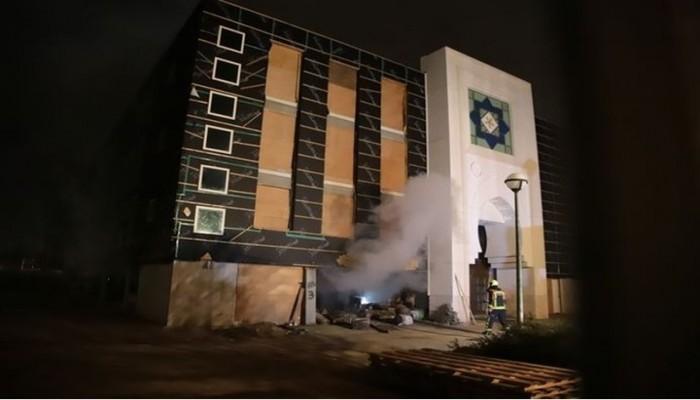 إضرام النار في مسجد قيد البناء غرب هولندا