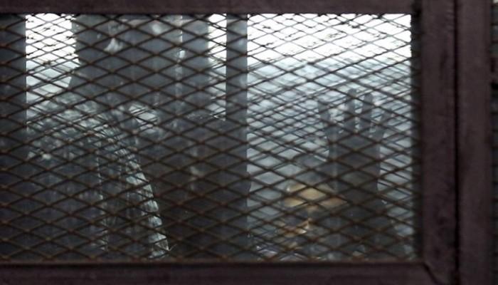 منظمة حقوقية تحذر من زيادة أعداد سجون السيسي