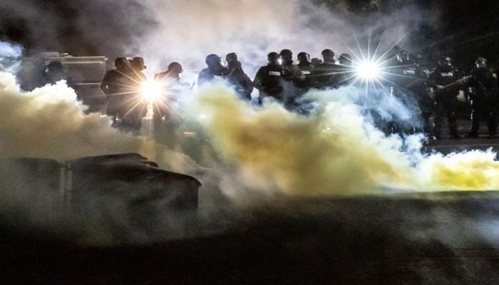 احتجاجات في أمريكا إثر مقتل شاب أسود برصاص شرطي