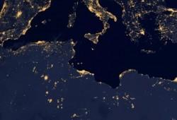 صور لنهر النيل والقاهرة بصورة ليلية من الفضاء
