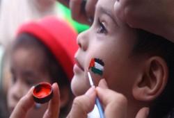 """الاحتلال يعتقل طفلة من """"الشيخ جراح"""" بتهمة رسم علم فلسطين"""