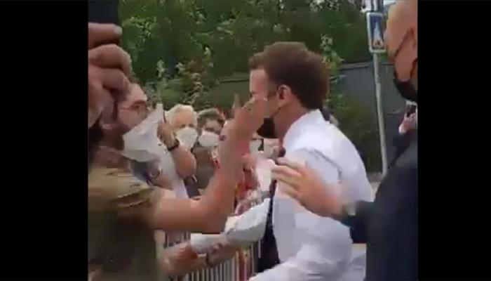 ماكرون يتلقى صفعة على وجهه من مواطن فرنسي