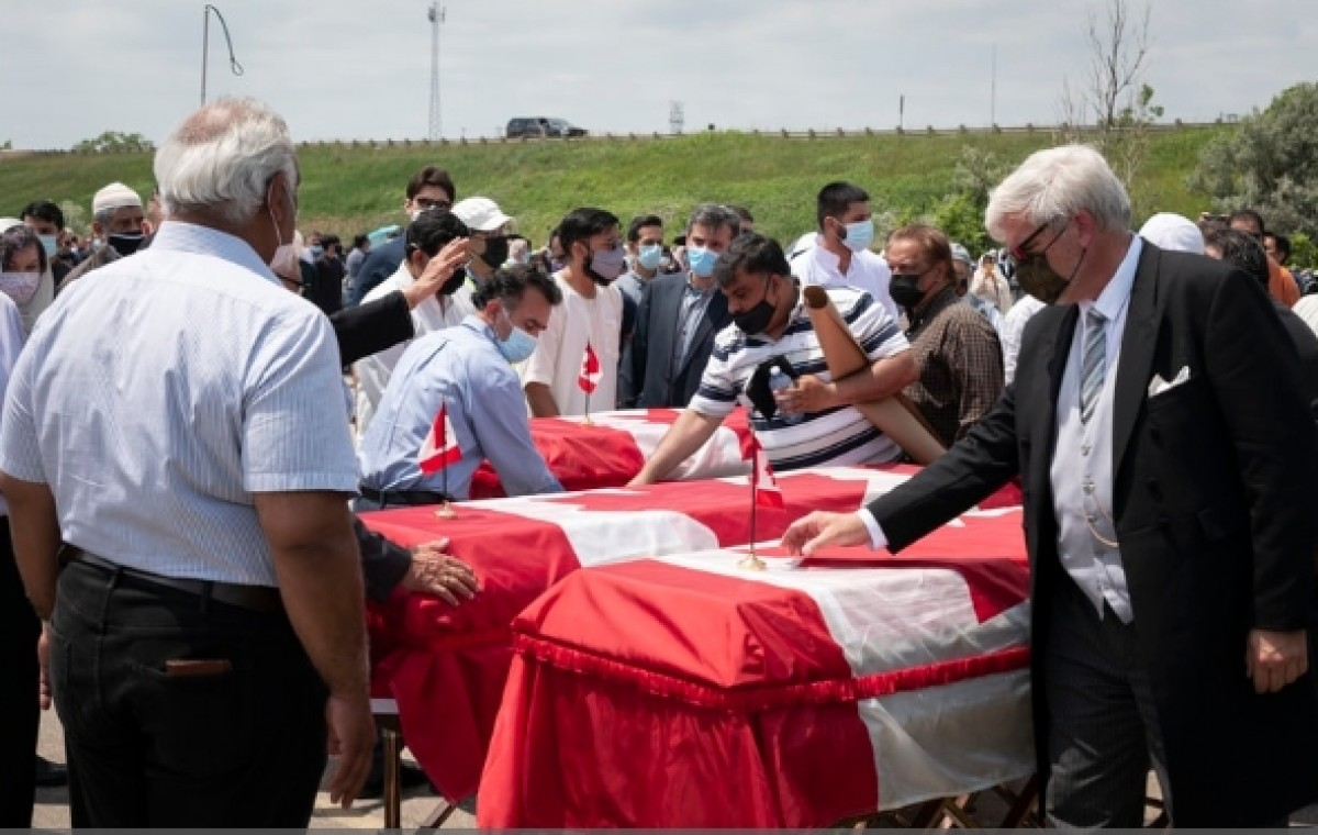 تشييع عائلة مسلمة قتلت في عملية دهس إرهابية بكندا
