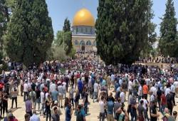 35 ألفا يؤدون صلاة الجمعة في رحاب المسجد الأقصى