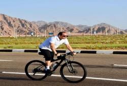 السيسي يلهو بدراجة هوائية أثناء مناقشة أزمة سد النهضة بمجلس الأمن