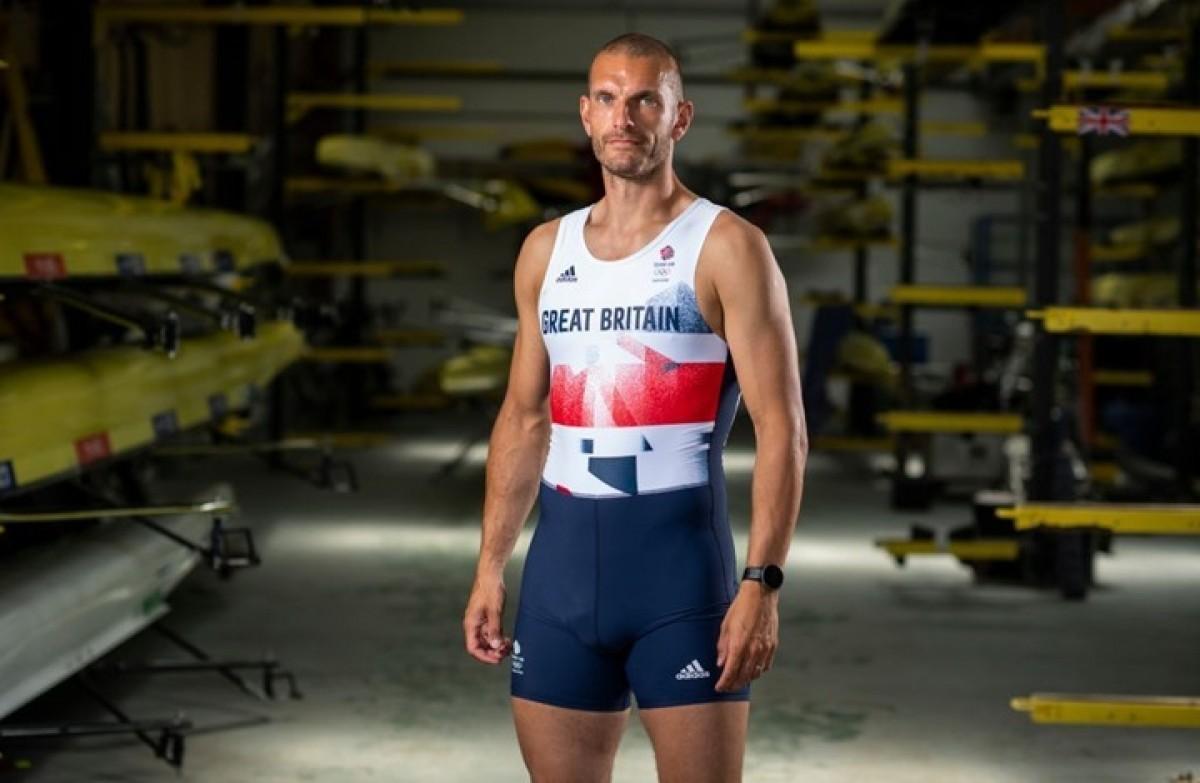 أول مسلم يحمل علم بريطانيا في افتتاح أولمبياد طوكيو