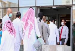 السعودية تحظر دخول غير الملقحين ضد كورونا إلى الأماكن العامة